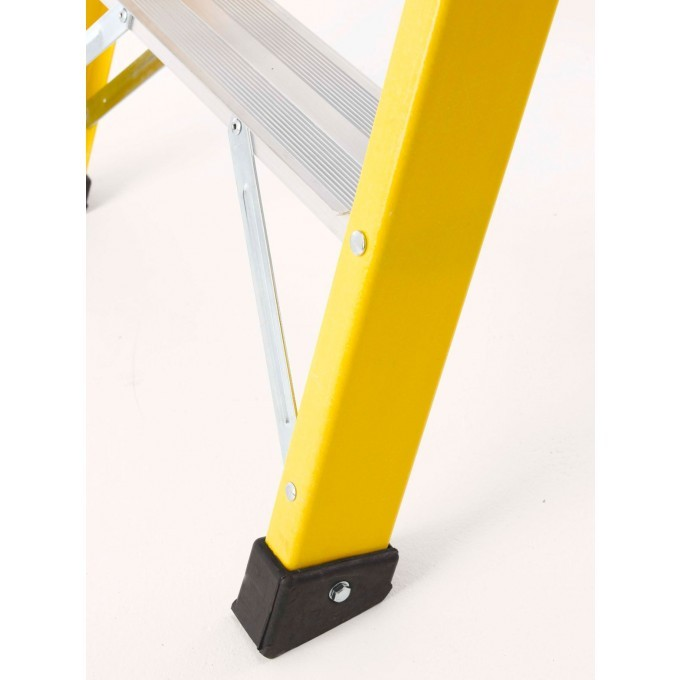 TB Davies EN131 GRP Swingback Stepladder With Deep Treads