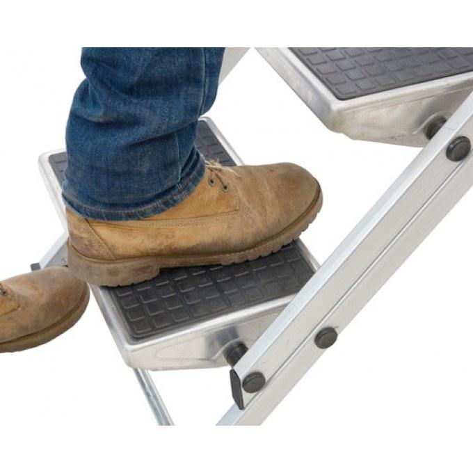 Easy-Slope-Leader-Steps-Treads