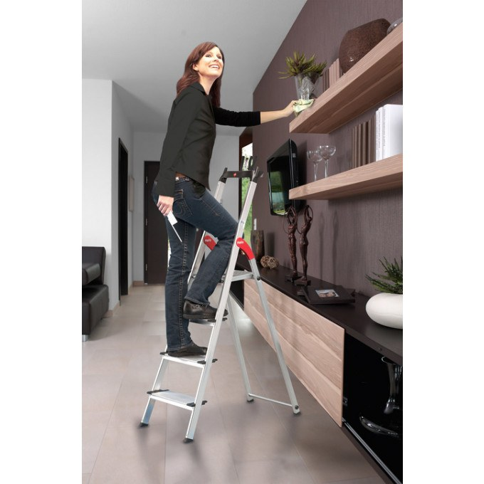 Hailo-XXL-Step-Ladder-In-Use
