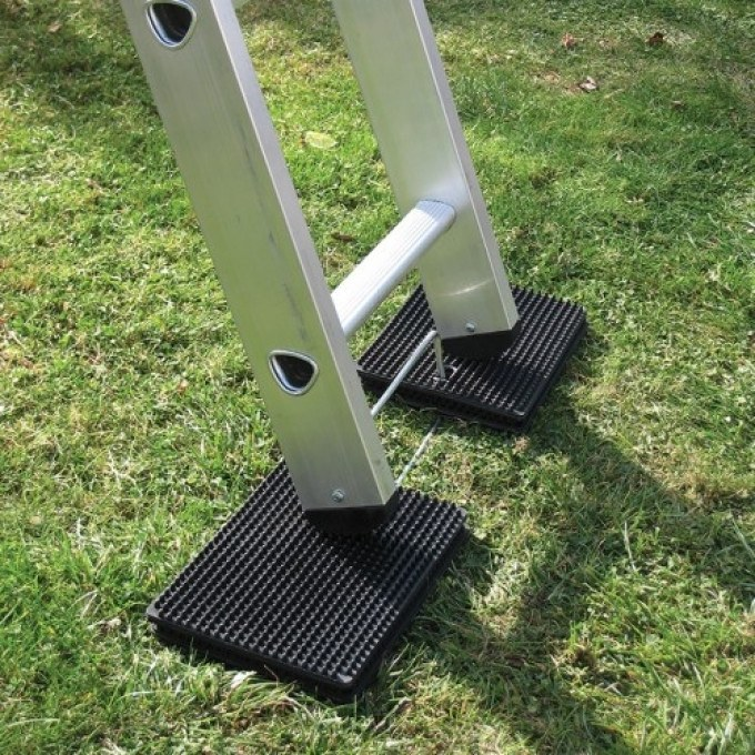 Laddermat Anti-Slip Ladder Leveller with gold award
