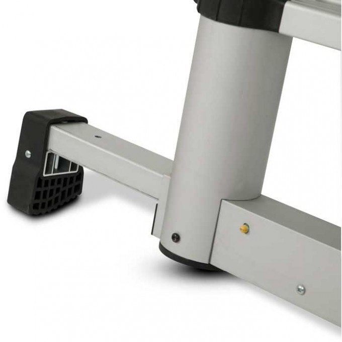 Lyte-up-telscopic-ladder-foot