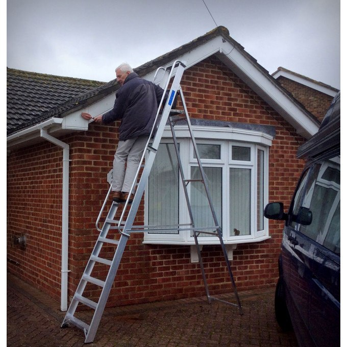 Phillip cleaning his facias with his Lyte Heavy Duty Platform Stepladders