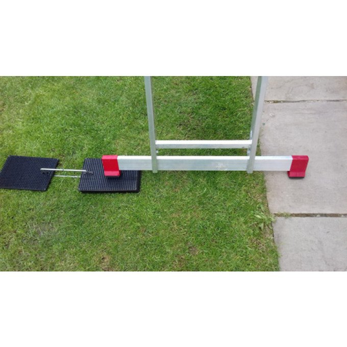 Laddermat In Use With Stabiliser Bar - One Mat