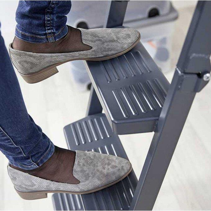 Steps of Dolle loft ladder